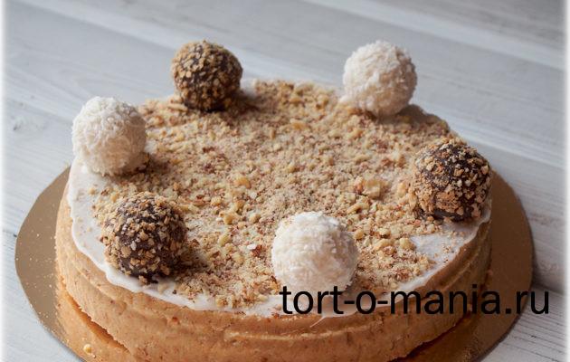 Пирожное-картошка «Блонди» с миндалем, в виде тортика.