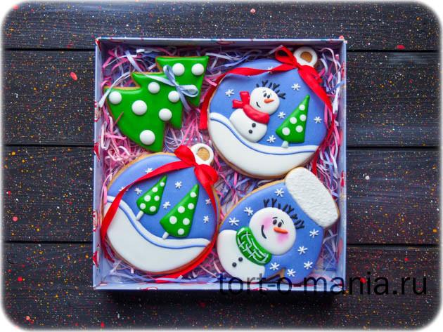 Новогодние пряники «Снеговики в фиолетовом»