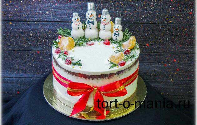 Традиционный семейный новогодний торт со  снеговиками